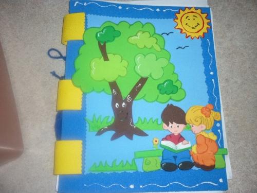 Carpetas decoradas con foami para niños - Imagui