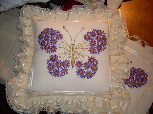 Imagen cojines bordados con cintas - Fotos de cojines decorativos ...