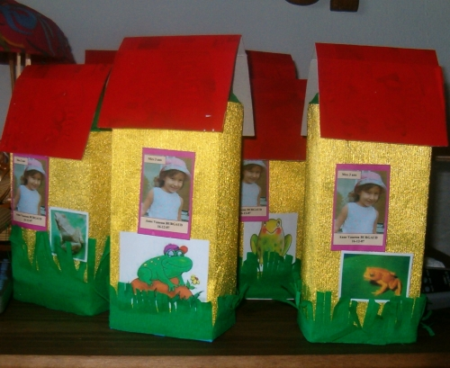 de grupo de decoracion navidena dulceros con caja de leche