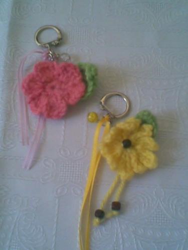 Imagen LLaveros con flores tejidas a crochet - grupos.