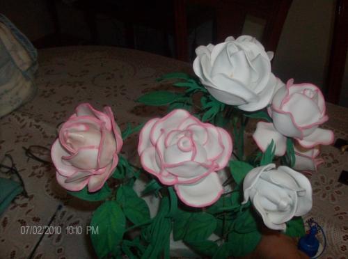 Imagen Rosas en foami - grupos.emagister.com